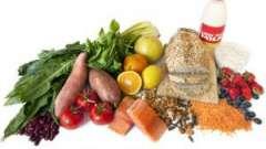 Що за продукти знижують холестерин в крові? Крупи, злаки, горіхи, фрукти та овочі.