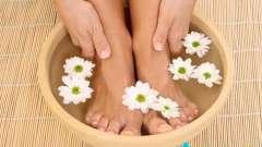 Як правильно парити ноги при застуді: секрети
