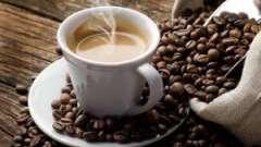 Чому не рекомендують пити каву при лактації