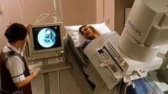 Проведення процедури рентгена кишечника з барієм