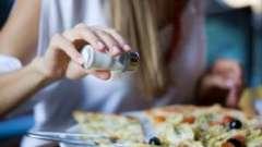 Солона їжа. Хто винен в артеріальної гіпертензії у молоді?